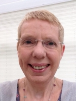 Sheila McNeil  UKCP Accredited Psychotherapist, BABCP Accredited CBT Therapist