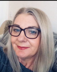 Karen Senior  BA ( Hons)  MBACP Accredited - Women's Counsellor  and Supervisor