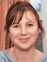 Imogen Cox (BA (Hons), PGCE, Dip Couns, MBACP, Oak Practice Counselling