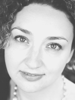 Emma Thomson, UKCP Registered Counsellor, Psychotherapist & Mentor