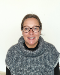 Rosalind Hutchinson MBACP, Dip.Counselling, Dip.CBT