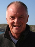 Jon Lavin, UKCP Accredited, MA Psychotherapy, B.Ed