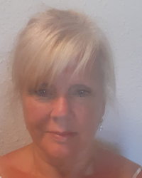 Debra Osborne -   Adv/Dip Psychotherapeutic Counselling MNHS & MNCS Accredited
