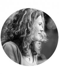 Claire Turner - PTUK, BACP, AST