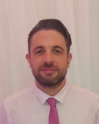 Craig Davies, Psychotherapist, MA, dipHIP, UKCP registered