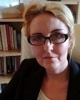 Sophie Hobbs B.A. (Hons), M.A. Integrative Psychotherapy, UKCP, MBACP