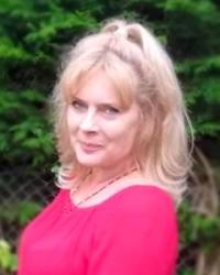 Suzanne Ellis