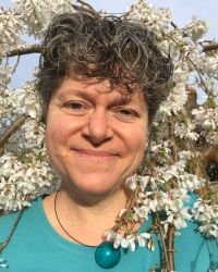 Clare Dash MA(Art Therapy), MA (Hons)