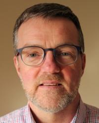 Ian Innes DipHE Couns., MCOSCA