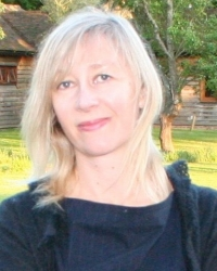 Susan Tomlinson PG Dip Counselling & Psychotherapy; MBACP, UKCP