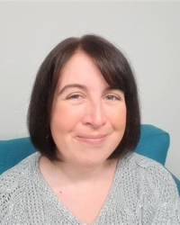 Hannah Paskin - Specialist in longstanding/complex symptoms. CBT