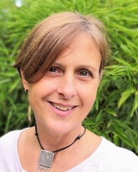 Julie Smart BSc (Hons), Dip. Psychodynamic Counselling, MBACP (Accred).