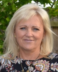 Tracey Peplow (Dip.Couns) - Counsellor (Adults & Young People) and Supervisor
