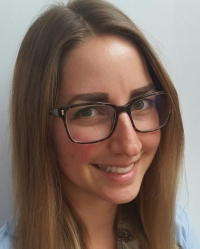 Rae Sziklai (MA, MBACP)