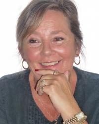 Lynn Johnston MA(CCYP), BSc(Psych), PG Cert. Adv. Counselling