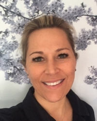Ana Cooper, Integrative Psychotherapist, M(BACP)Accred