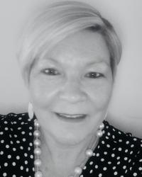 Nicola Walker BABCP Accredited, UKCP Registered Psychotherapist