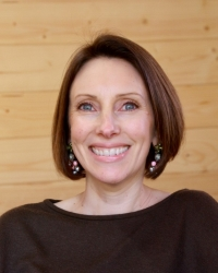 Lizzie Elliott MBACP BA(Hons)
