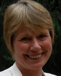 Dr Julie Waumsley