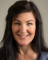 Sarah Burns Ad.Dip Coun, MA Dramatherapy, MNCS (Accred), HCPC