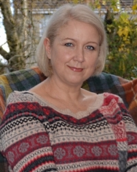 Cherie Deakin (BA Hons, PgDip, MA, MBACP) Psychotherapist.