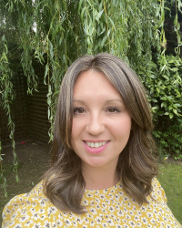 Sophie Barker-Hill  MBACP BSc (Hons) in Therapeutic Counselling & Psychotherapy