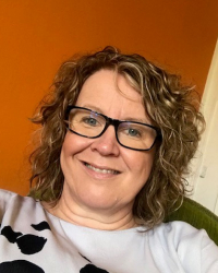 Sarah Holbrook - MBACP Registered Counsellor and Qualified Coach