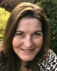 Tara Longworth MBACP (Reg), UKATA Dip. TA Practice