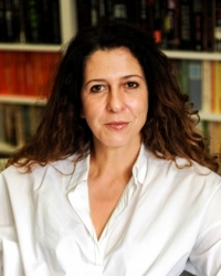 Andrea Sevenoaks, MBACP Reg, UKATA Dip TA Practice