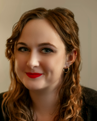 Lucy Shearman BA(Hons), MA, HCPC, BAAT Psychotherapist and Art Psychotherapist