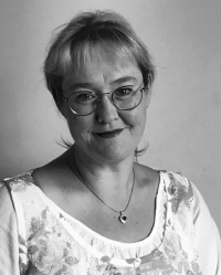 Adele Swift PgDip, regCOSRT. Couples Counsellor & Psychosexual Therapist