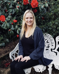 Eleanor Taylor BA, PGCE, Adv Dip Counselling, Adv Dip CBT, NCS Accredited