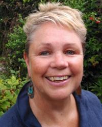 Rae Hurst