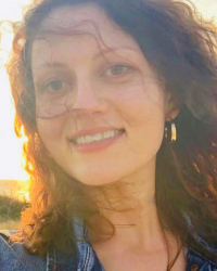 Accredited integrative individual and couple therapist Natasha Micharina