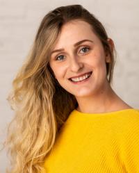 Ariana Pedzikowska Registered MBACP - Mindset Counselling & Psychotherapy