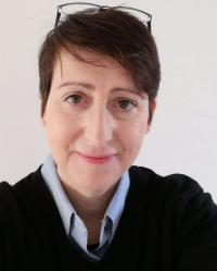 Dani Mackenzie-Lyons  BTH Hons (Oxon) MBACP
