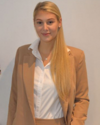 Francesca Parry (MA)