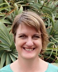 Fiona Scullion, MA (Integrative Art Psychotherapy)