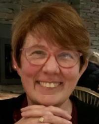 Dr Elizabeth McMillan