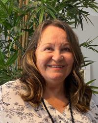 Lyn Oakley psychotherapist. Dip. Couns. Reg. MBACP