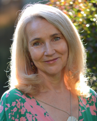 Ingrid Geser, Dip Couns (Integrative); BA Hons Social Psychology; MBACP.