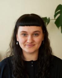 Kathleen Blades, MA, Drama & Movement Therapist (Arts Psychotherapy)