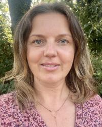 Renata Paczkowska Counselling and Walk & Talk Therapy. BA (Hons), MBACP