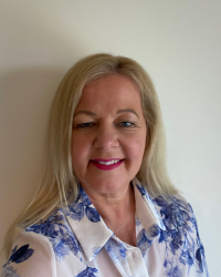 Sue Wright Adv.Dip. Counselling, Dip.CBT, Dip Art Therapy, NCS Accredited