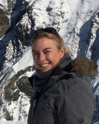 Rosalind Townsend, HG Dip.P., MHGI, BA(Hons), PGCE The Beacon Clinic