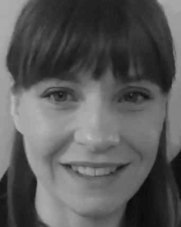 Roslyn Urquhart BA (Hons) MSc UKCP, HCPC Psychotherapist and Art Psychotherapist
