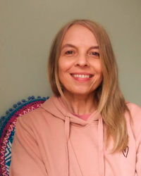 Louise Diffey, Integrative Counsellor, MNCS, FdA Counselling