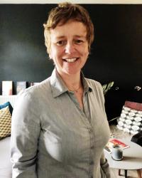 Dr Lorna Hobbs
