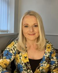 Debbie Keenan MBACP Registered Integrative Counsellor, Dip CBT, Mindfulness