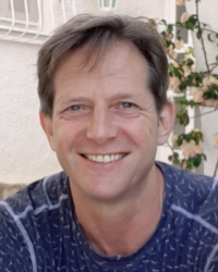John Harris Integrative Psychotherapist (MSC) and doctor UKCP, BACP